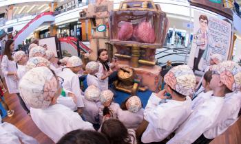 """Expoziţia educativă """"The Human Body Adventure"""" îi transformă pe copii în """"medici"""" iscusiți"""