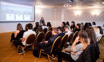 30 de liceeni din Iași au experimentat cum este să fii angajat în companiile din ansamblul Palas