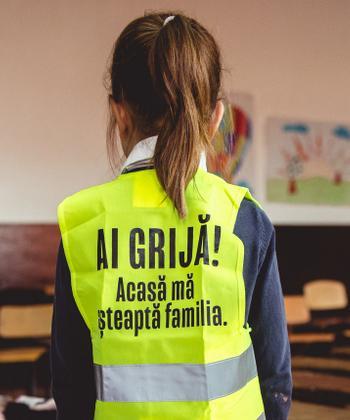 """Iulius Mall Suceava a lansat campania de conștientizare """"Acasă mă așteaptă familia"""", cu scopul de a reduce accidentele rutiere în rândul copiilor"""