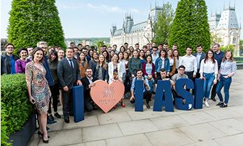 Peste 400 de studenți devin angajați pentru o zi, în Săptămâna Porților Deschise la UBC Palas Iași
