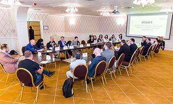 Dezbatere privind importanța mediului universitar în decizia companiilor de a investi în Iași, la Palas