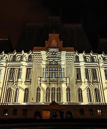 Show impresionant de lumină și culoare pe Palatul Culturii! Palas Iași organizează competiția internațională de proiecții video Light Up Festival