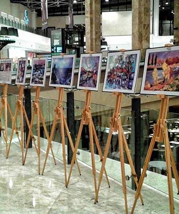 Lucrări create de artişti cu dizabilităţi, expuse în Palas Mall